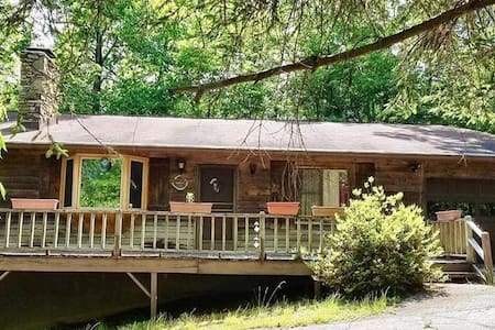 Unwind at the Glen Echo Forest Cabin