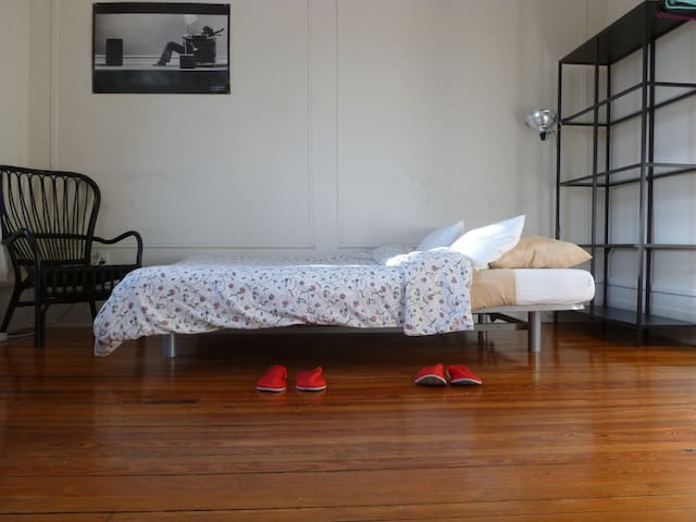 Large, sunny bedroom near Central Park & Columbia