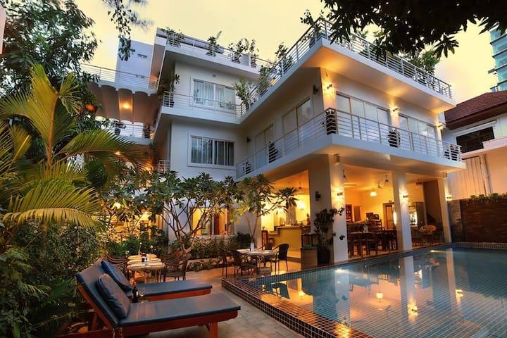 DOUBLE ROOM AT ANISE VILLA - Phnom Penh - Boetiekhotel