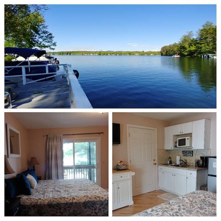 Lake & Mtn views! Waterfront Studio-King bed w/Kit