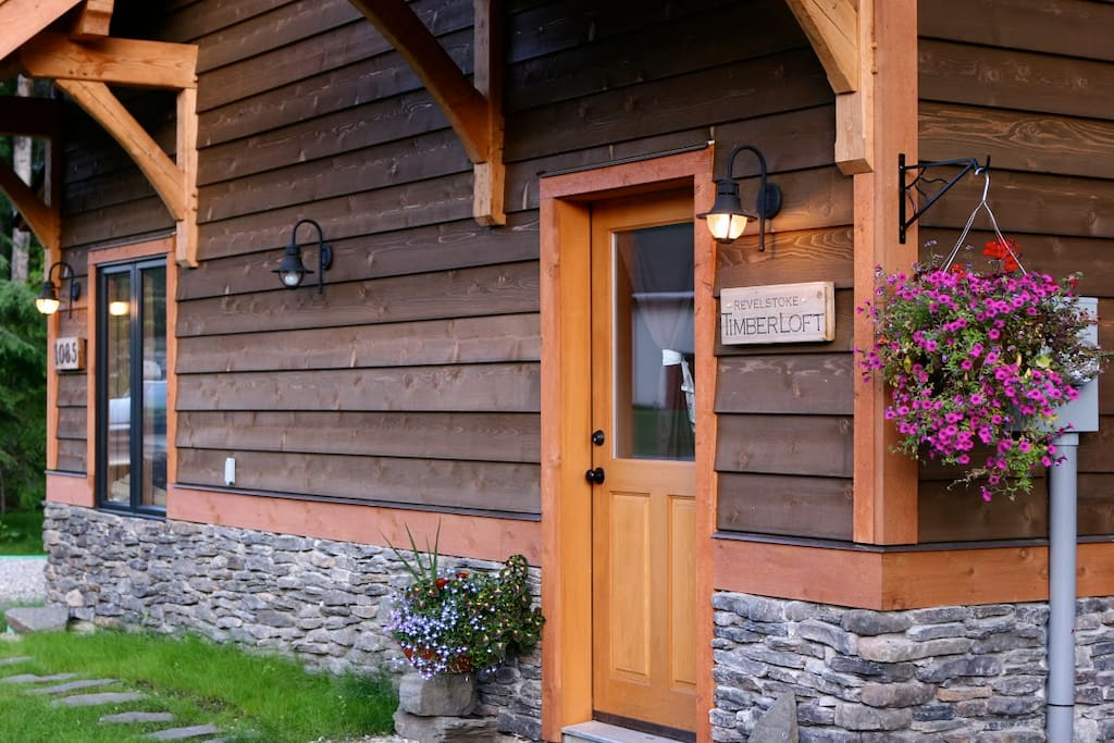 Timberloft - private entrance