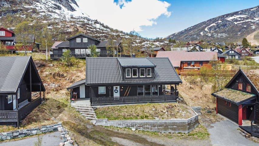 Hovden nær skiløype og alpin anlegg-
