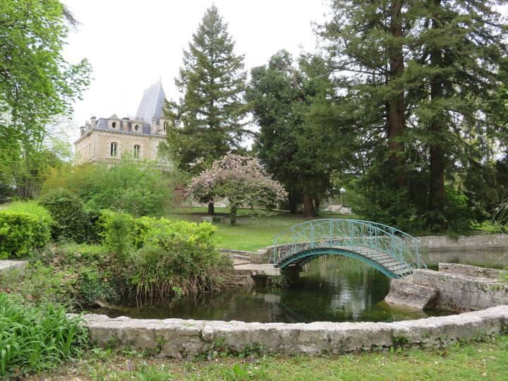 Chambre privée dans ChateaudePile à Eymet Dordogne