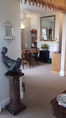 Elegant and quiet home in central Winchester