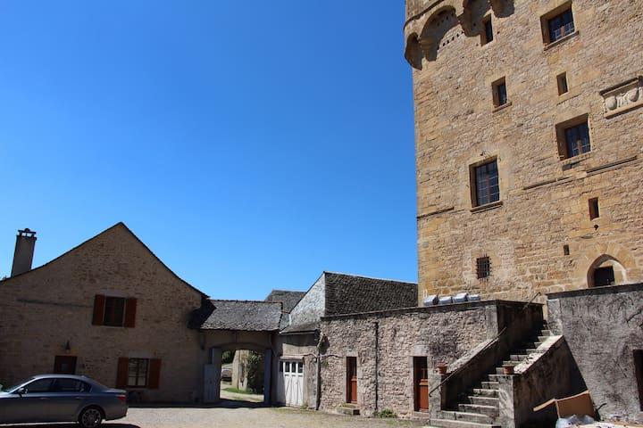 Maison d'hôtes de la Tour de Masse - Espalion - Hus