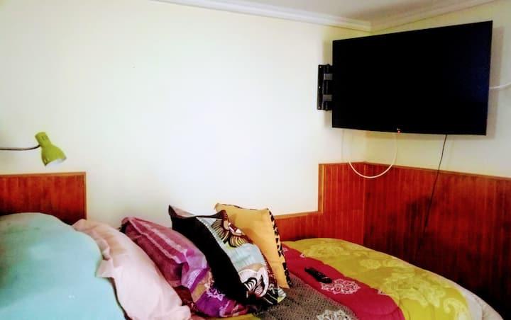 Arriendo habitación privada aislada de casa.