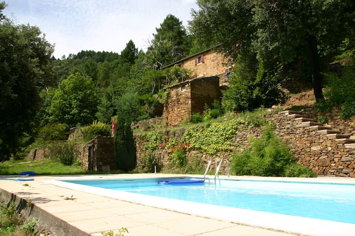 Old Ardèche house for 8 personnes - Saint-André-Lachamp - 獨棟