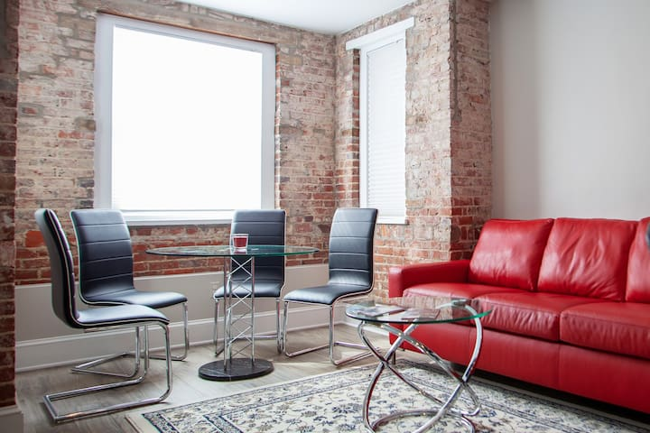 PRIVATE DC APT | WALK TO METRO, DUPONT & LOGAN