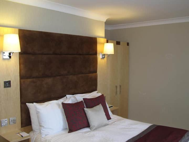 Essential and Business Travel Only: Modest Double With Double Bed At Newmarket