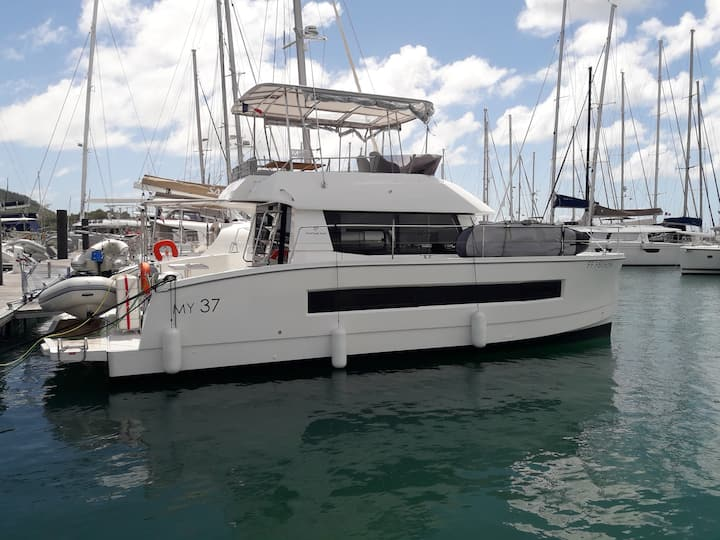 Catamaran Fountayne Pajot MY37
