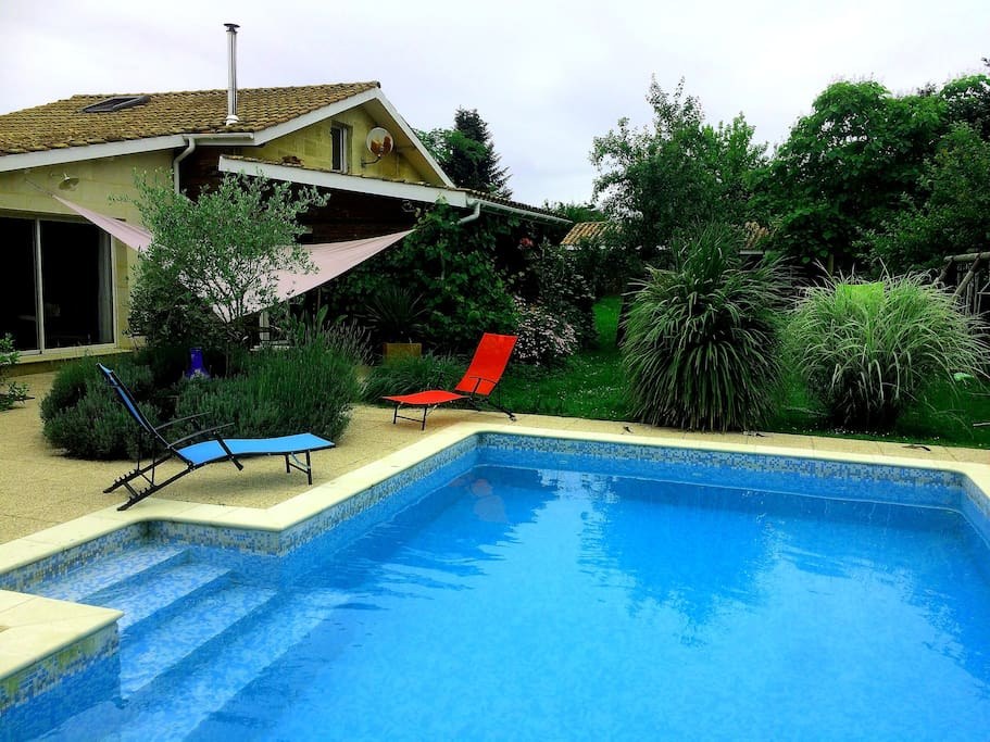 Bordeaux en famille piscine maisons louer floirac for Piscine floirac