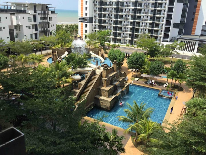 Seafront Service Apt - 2 Bedroom [Lake & Sea View]
