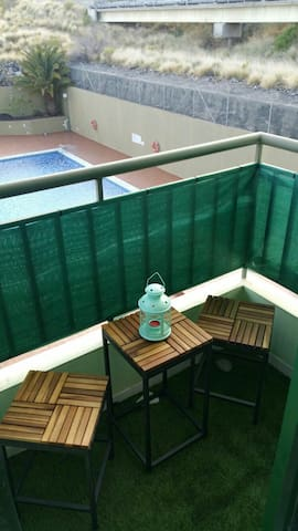 Nice whole accommodation.Swimming pool,garage wifi - Las Caletillas - Byt