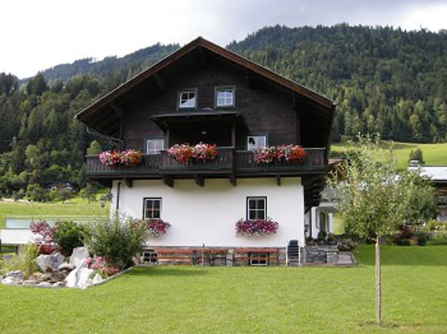 Theresien-Chalet Sleep for 10 pers. - Sankt Veit im Pongau - Byt