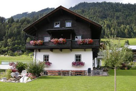 Theresien-Chalet Sleep for 10 pers. - Sankt Veit im Pongau - Apartment