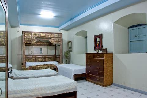 La Familia/Family Room, Taal Heritage House