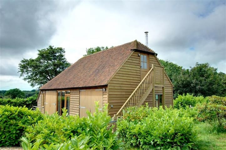 Converted Barn in Beckley, near Rye - Beckley - Dom