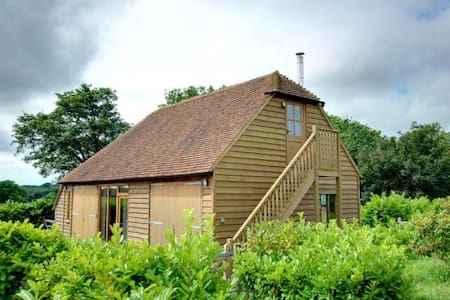 Converted Barn in Beckley, near Rye - Beckley