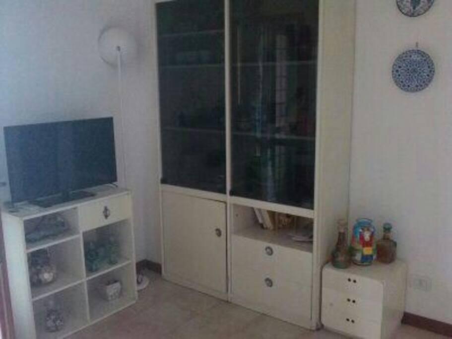 mobili soggiorno con tv climatizzatore