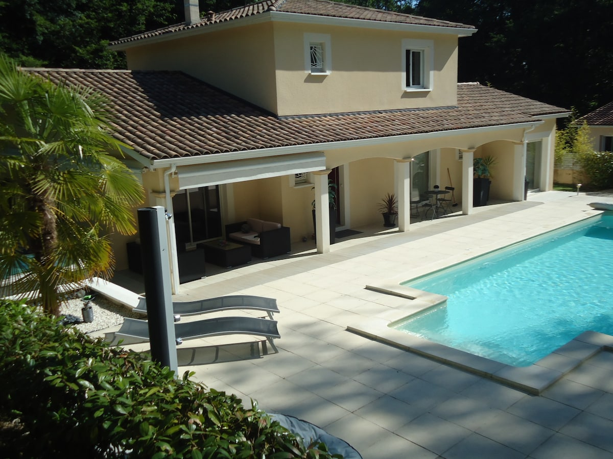 Nice Studio With Swimming Pool Near Bordeaux   Villas For Rent In Baron,  Aquitaine Limousin Poitou Charentes, France