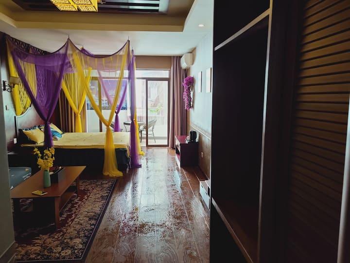 红合度假观江公寓雅致温馨一居室,近大金塔&星光夜市&勐巴啦纳西,代订景点门票包车服务。