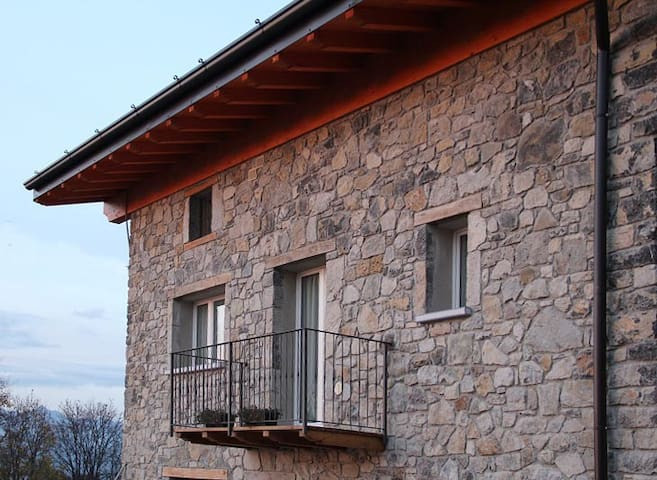Bergamo Apartment Agritourism La Fontana - Zogno - Leilighet