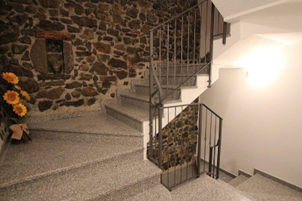 Scale interne di accesso agli appartamenti