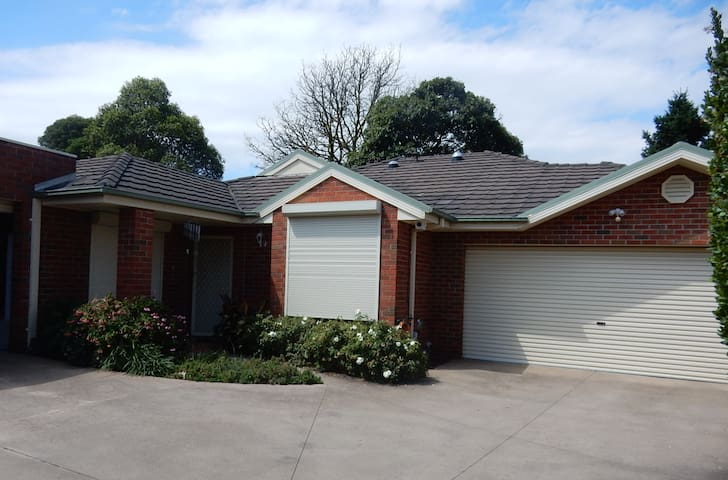 Mt Waverley Home Away From Home - Mount Waverley - Hus