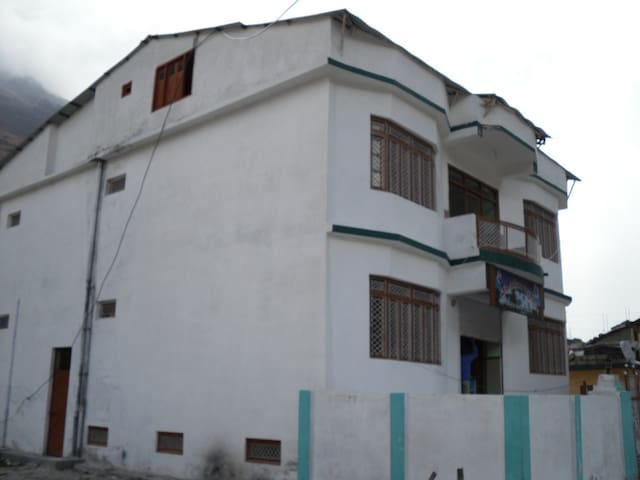 Hotel Shree OM Kuteer