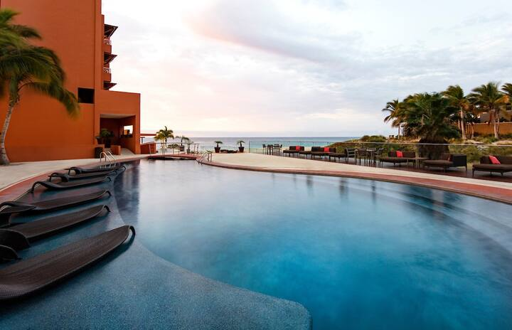 """3 BR Ocean Front Villa! Your own private """"Hot Tub"""" on terrace! 20% off menu items!"""