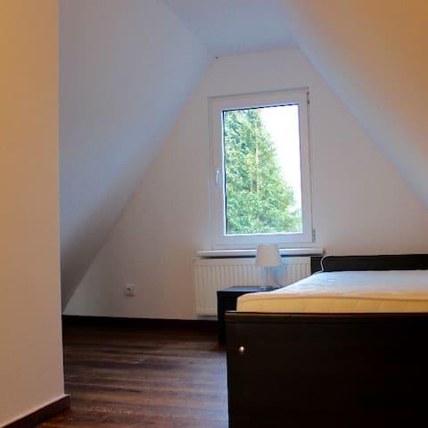 Doppelzimmer mit Gemeinschaftsküche und Bad - Weener - Hus