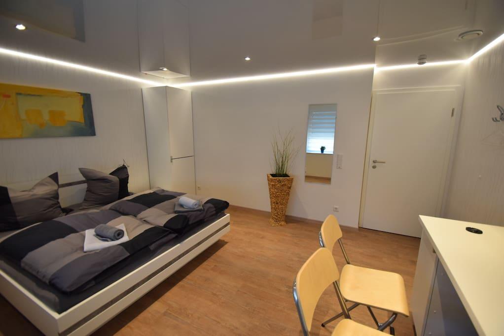 Großes Doppelbett 1,8 x 2m