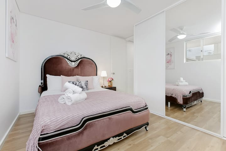 Mordern Apartment Near Perth City and Airport 03
