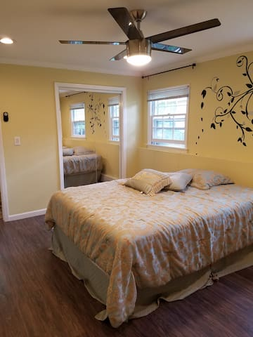 Newly renovated superb Guest room - Basking Ridge