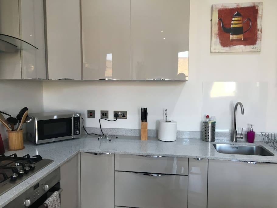 Microwave and utensils available