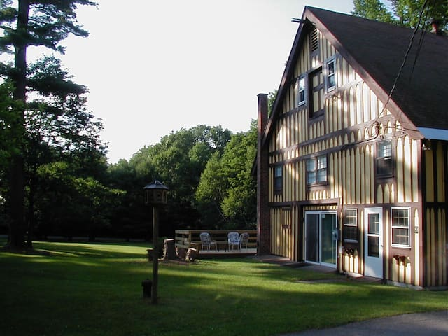Unique Historical Bavarian Home - Moultonborough - Huis