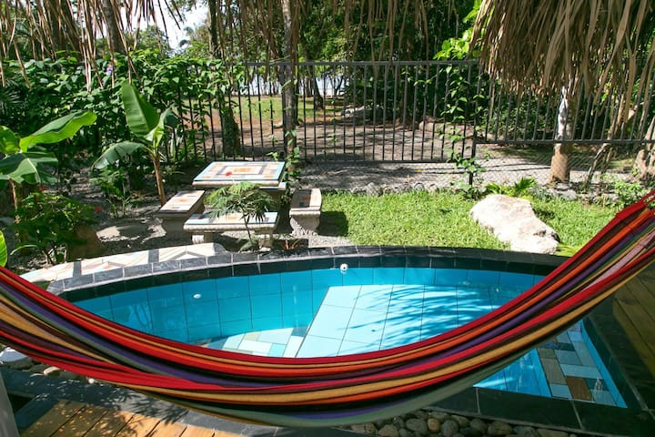 Manuel Antonio Beachfront! Villa Tierra 2 bedroom