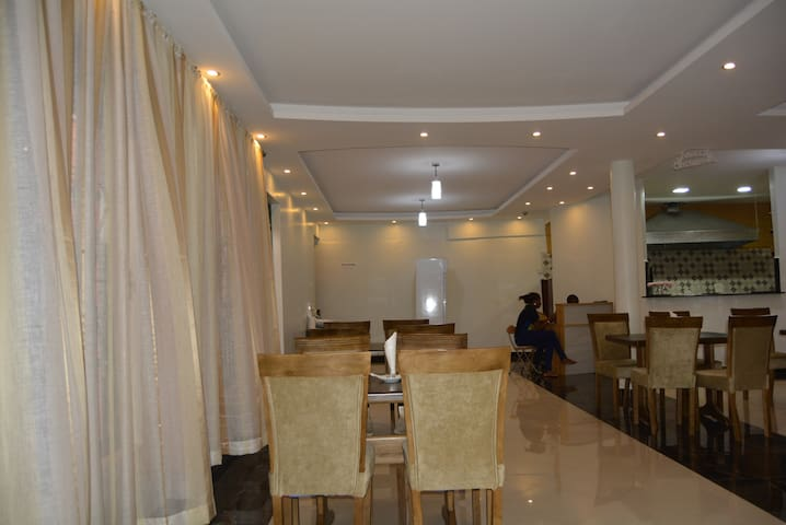 Makerere Star Hotel - cleanliness and excellency - Kampala - Pensió