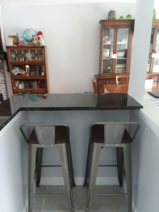 Breakfast bar or work station