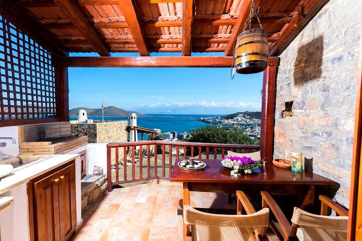 The Traditional House Leonidas w/ amazing seaview