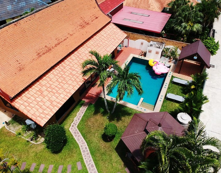 Unique Thai Villa w/ Garden & Luxury Pool, Pattaya