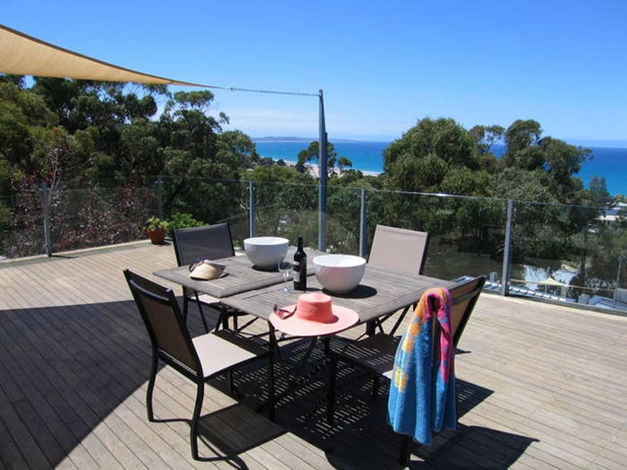 60sqm deck capturing views from the Pier to Aireys Inlet Lighthouse and beyond.