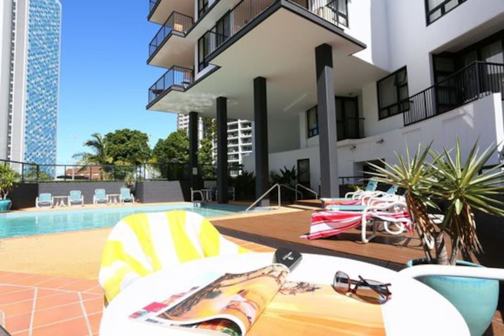 Couples retreat ocean view fast wifi foxtel apartments for Pool show on foxtel