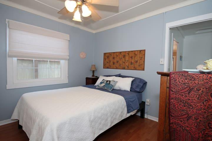 Comfy memory foam queen bed