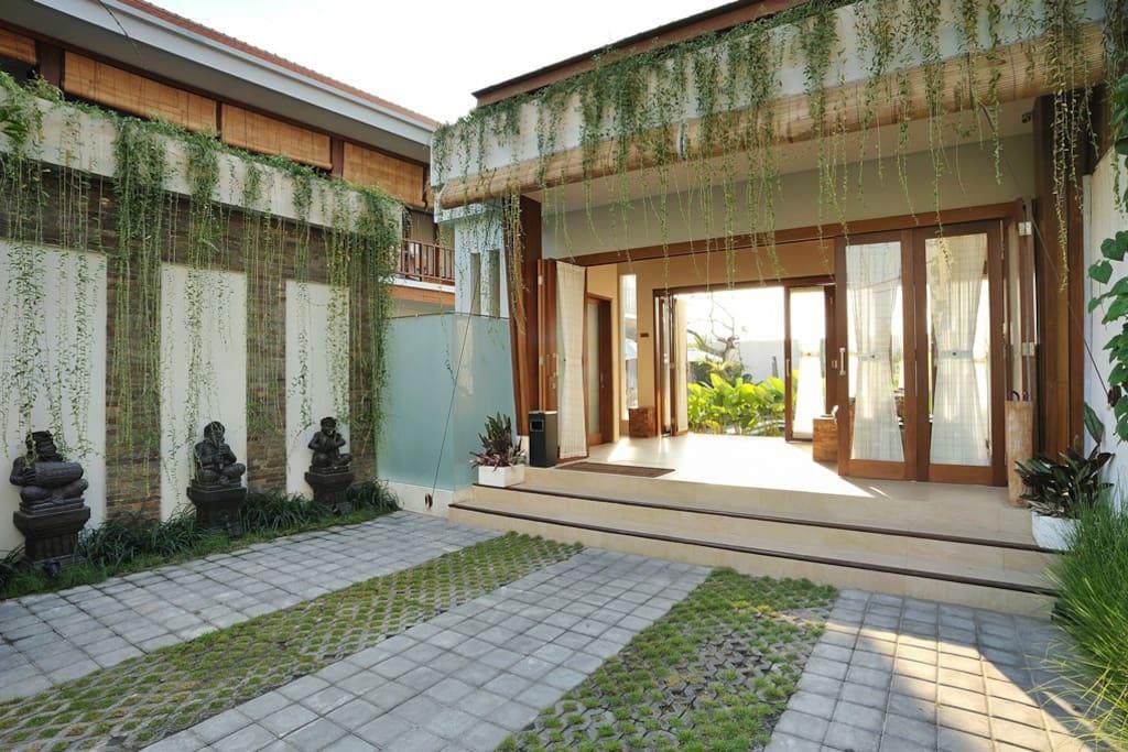 Short &Long term villa Smnyk!