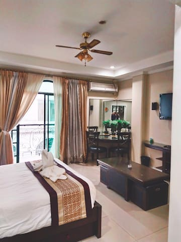 Walking St Lux Condo, Mirror UPG Wild Orchid Hotel