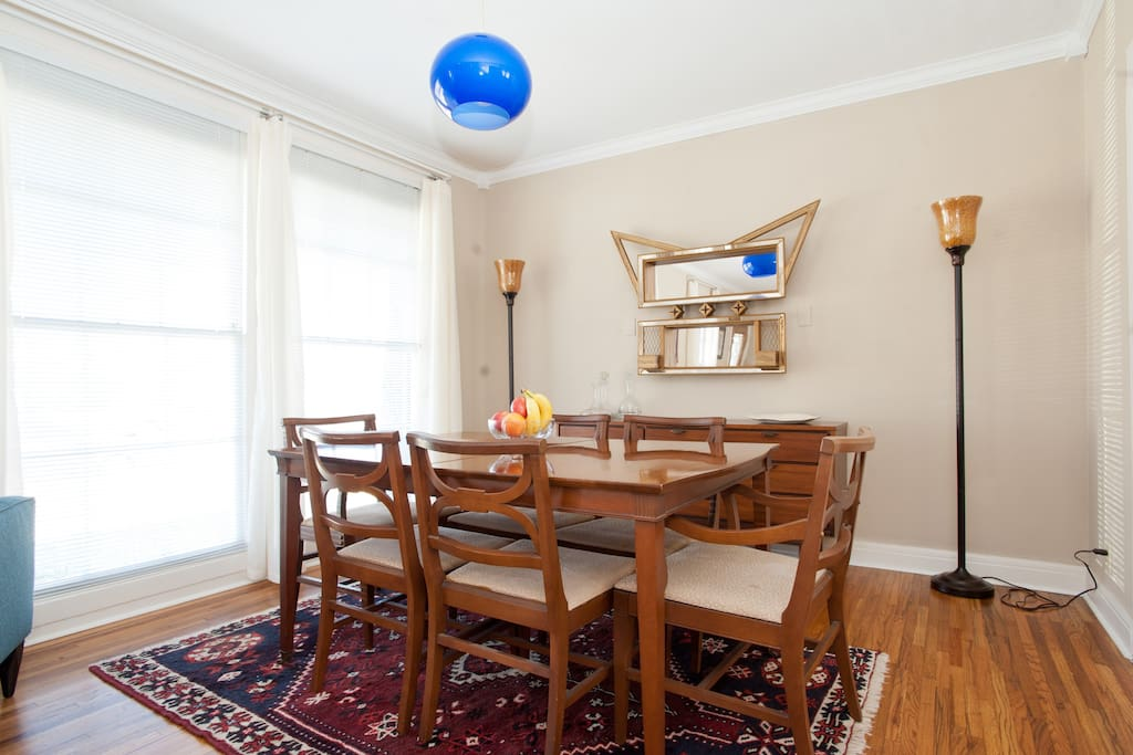 Bright shared living and dining rooms ideal for meals, reading or relaxing!