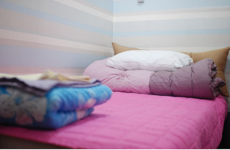 Single Room Heart of Seoul@ITAEWON - Seúl - Bed & Breakfast