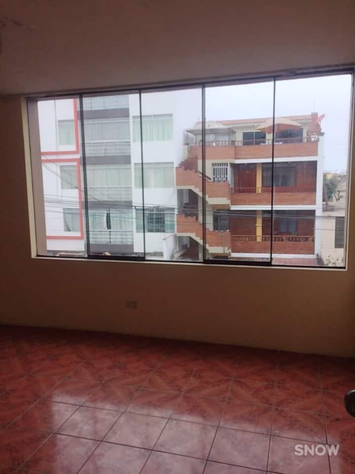 Habitación para estudiante frente a la PUCP