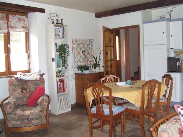 Pink House Terre Nere Le Village